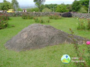 Piedra de los deseos Jardín exterior Hacienda el Paraíso - Viajes Escapados